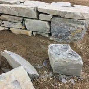 Kiviaita hiekalla