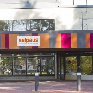 Koulutuskeskus Salpaus opintie 1, Heinola, päärakennus ulkoapäin kuvattuna
