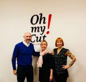 Salpauksen hiusalan opettaja Mila Hakalin ja kaksi espanjalaista kollegaa
