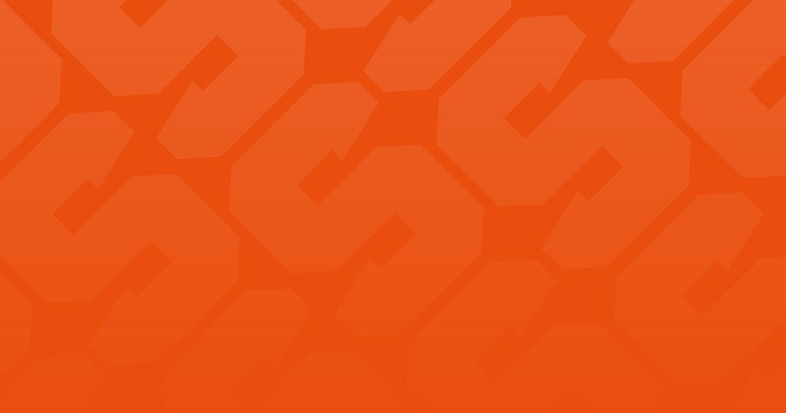S-kirjaimia oranssilla taustalla