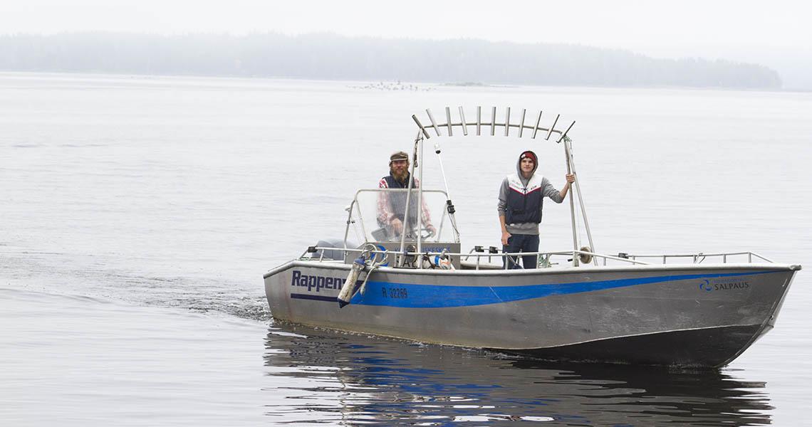 Kalastusvene järvellä Asikkalassa.