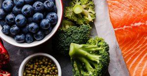 Marjoja, kalaa, vihanneksia.