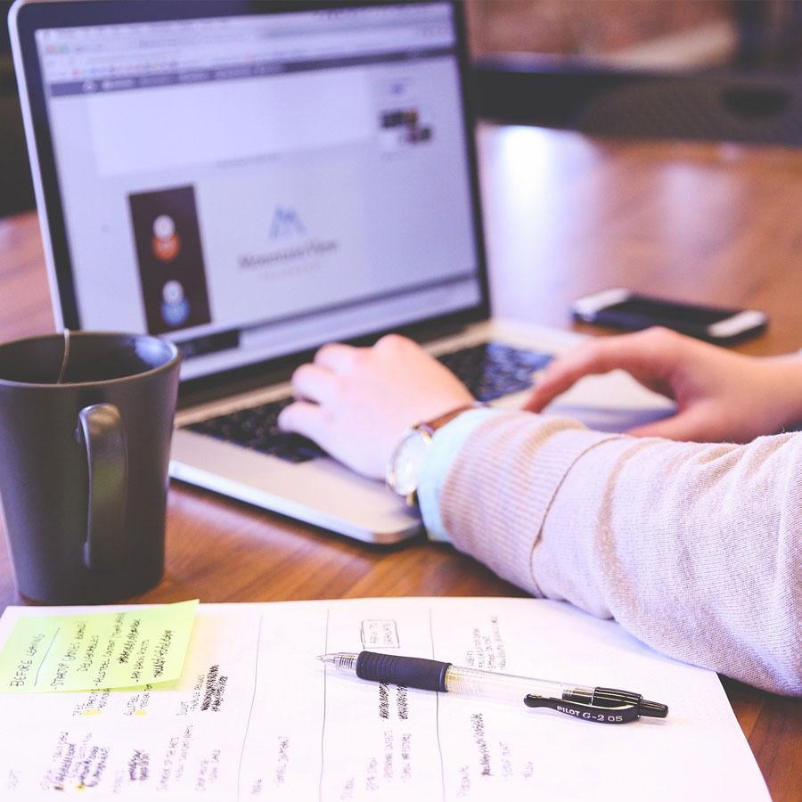 Myynnin ja markkinointiviestinnän osaaja työssään