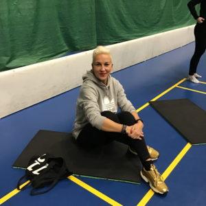 Liikunta-alan opettaja esittelee omaa uraopolkuaan.