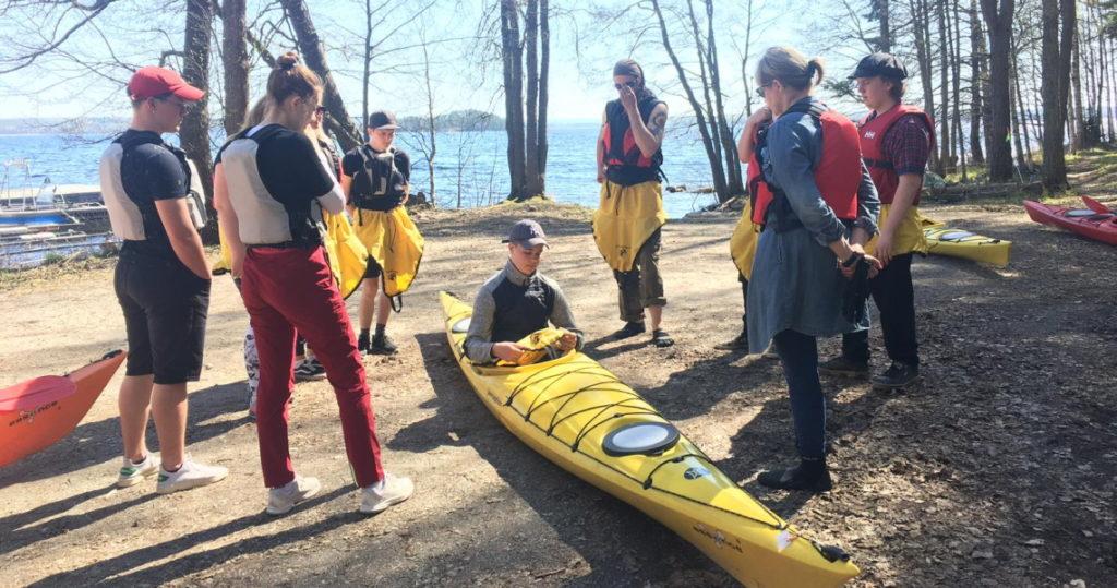 Luonto- ja elämystoiminnan ohjaamisen kurssilla tutustuttiin luontoon ja retkeilyyn ja koettiin uusia elämyksiä.